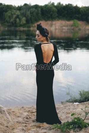 middle eastern woman wearing black dress