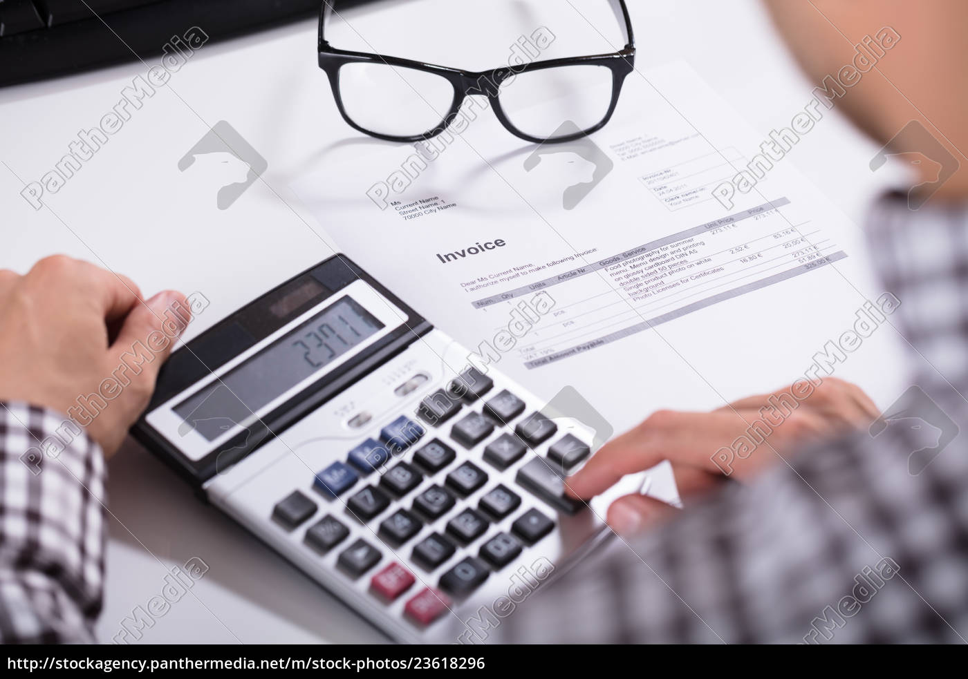 businessman's, hands, calculating, invoice - 23618296