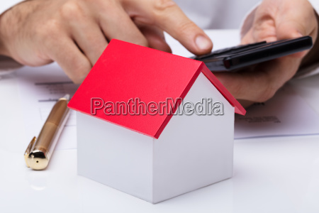 house, model, with, person's, hand, using - 23618160