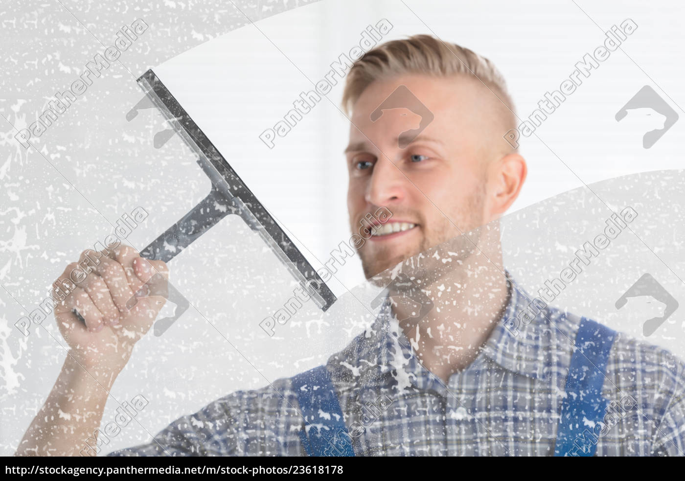 worker, cleaning, glass, window, with, squeegee - 23618178