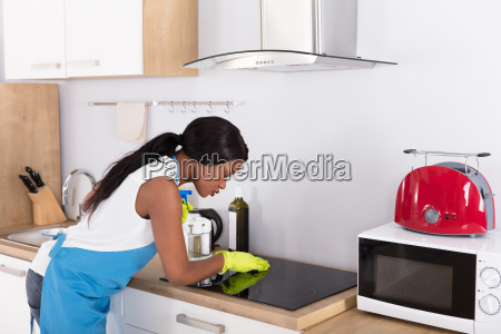 housewife, cleaning, induction, stove - 23620428