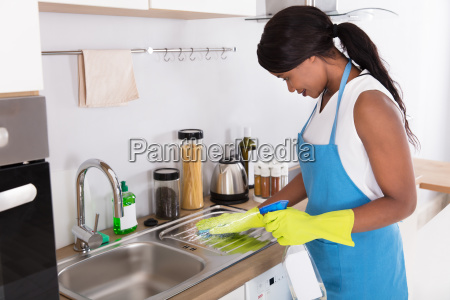 woman, cleaning, kitchen, sink, with, spray - 23620426