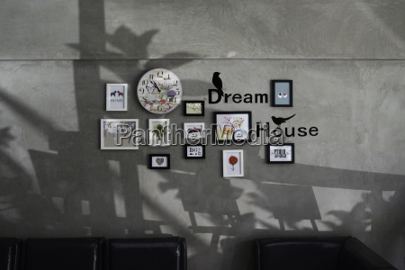 picture frames and word dream house