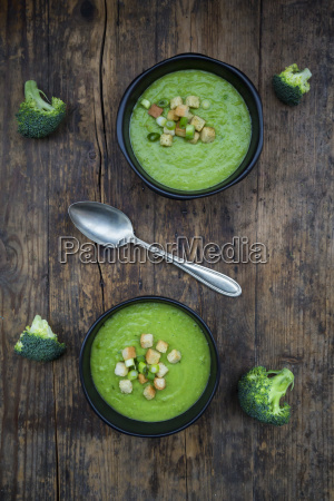 broccoli soup in bowl croutons
