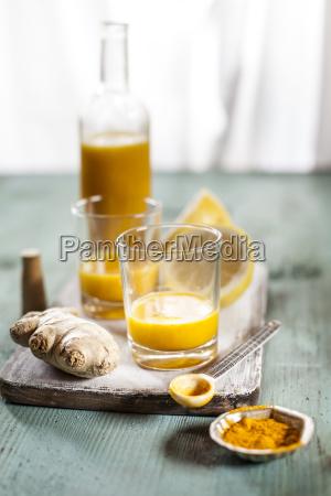 detox drink ginger lemon and orange