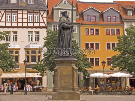 city town monument masters statue europe