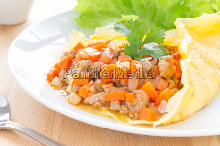 stuffed omelet with carrot onion pork