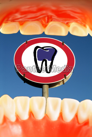 sign signal symbolic mouth teeth bit