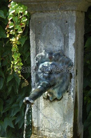 park romantic anciently fountain source drinking