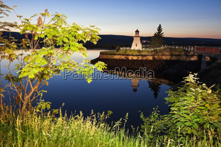 anderson hollow lighthouse by pond at