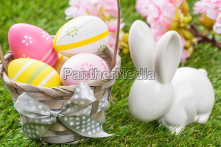 baskets with colourful easter eggs