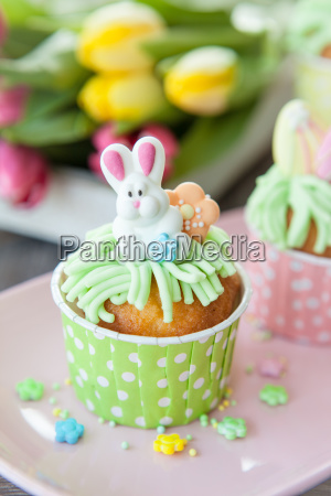 small cupcake for easter