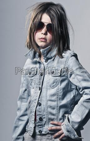 girl 8 9 posing in oversized