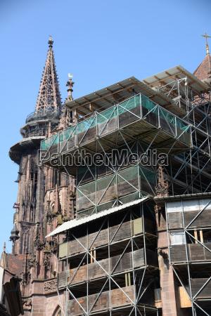 scaffolding at freiburg minster