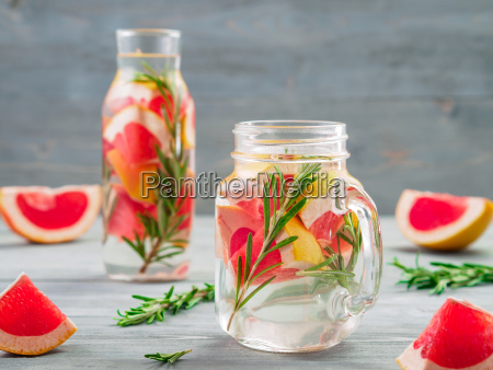 infused detox water with grapefruit and