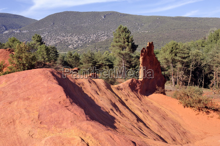 red landscape dug by six generations