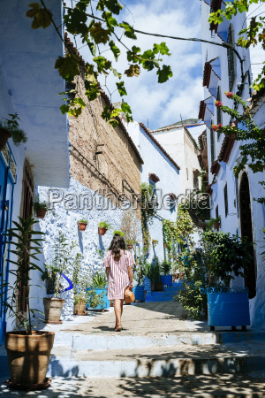 morocco chefchaouen back view of woman