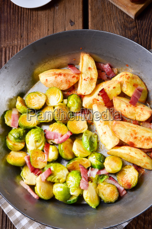 brussels sprouts with ham honey and