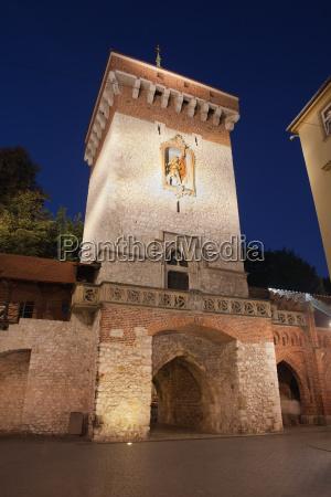 florianska gate by night in krakow