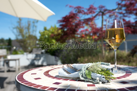 mediterranean table decoration on a terrace