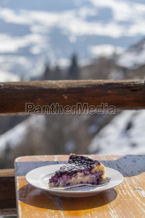 outdoor blueberry cheesecake in the mountains