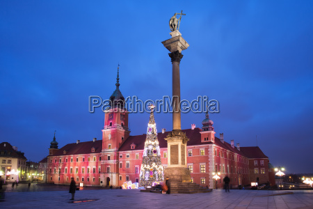 royal castle and sigismund column by