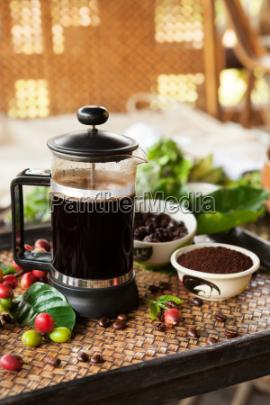 fresh coffe in french press