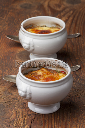 french onion soup with cheese on