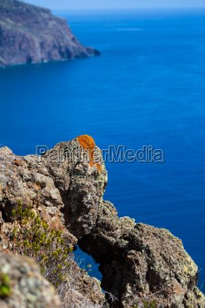 the cliffs at ponta do pargo