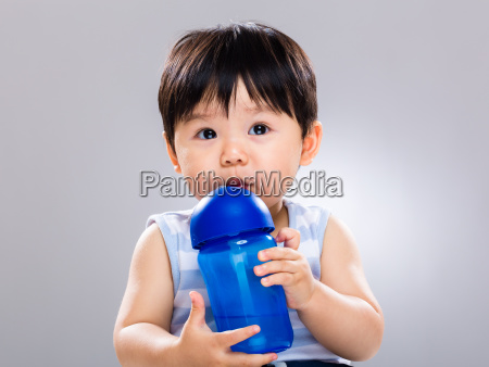 baby boy learn to use water