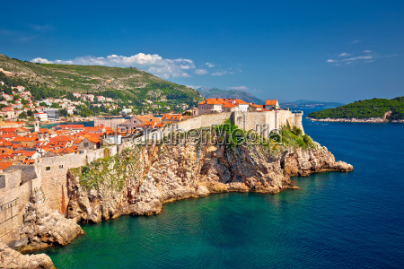 town of dubrovnik and stron defence