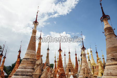 stupas with spires at shwe indein