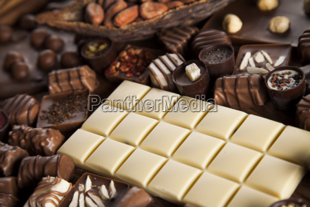 cinnamon dark chocolate with milk and