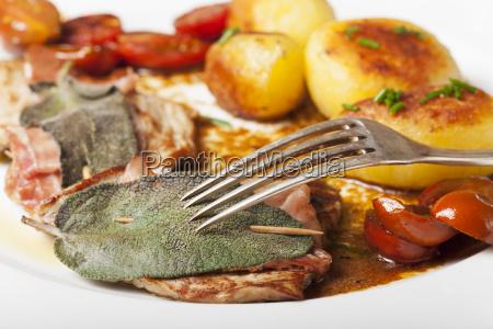 saltimbocca ala romana veal escalope with