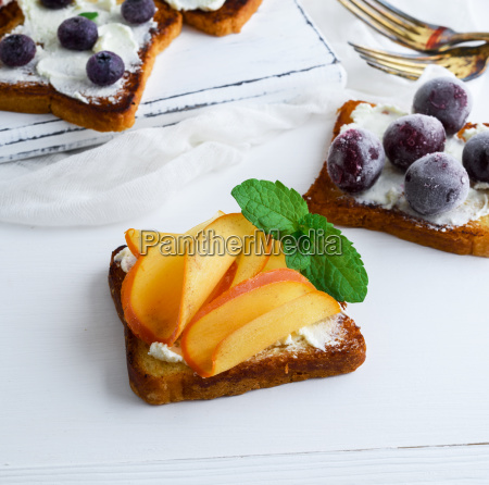 french toast with mild curd and