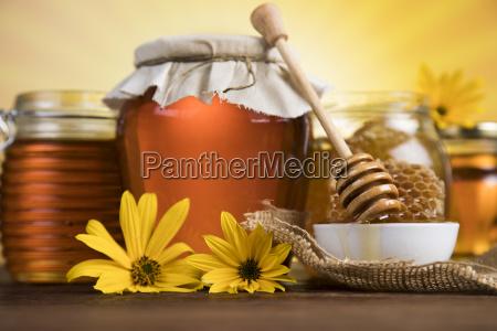 jar, of, liquid, honey - 25105732