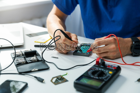 smartphone, repair, -, technician, check, the - 25113126