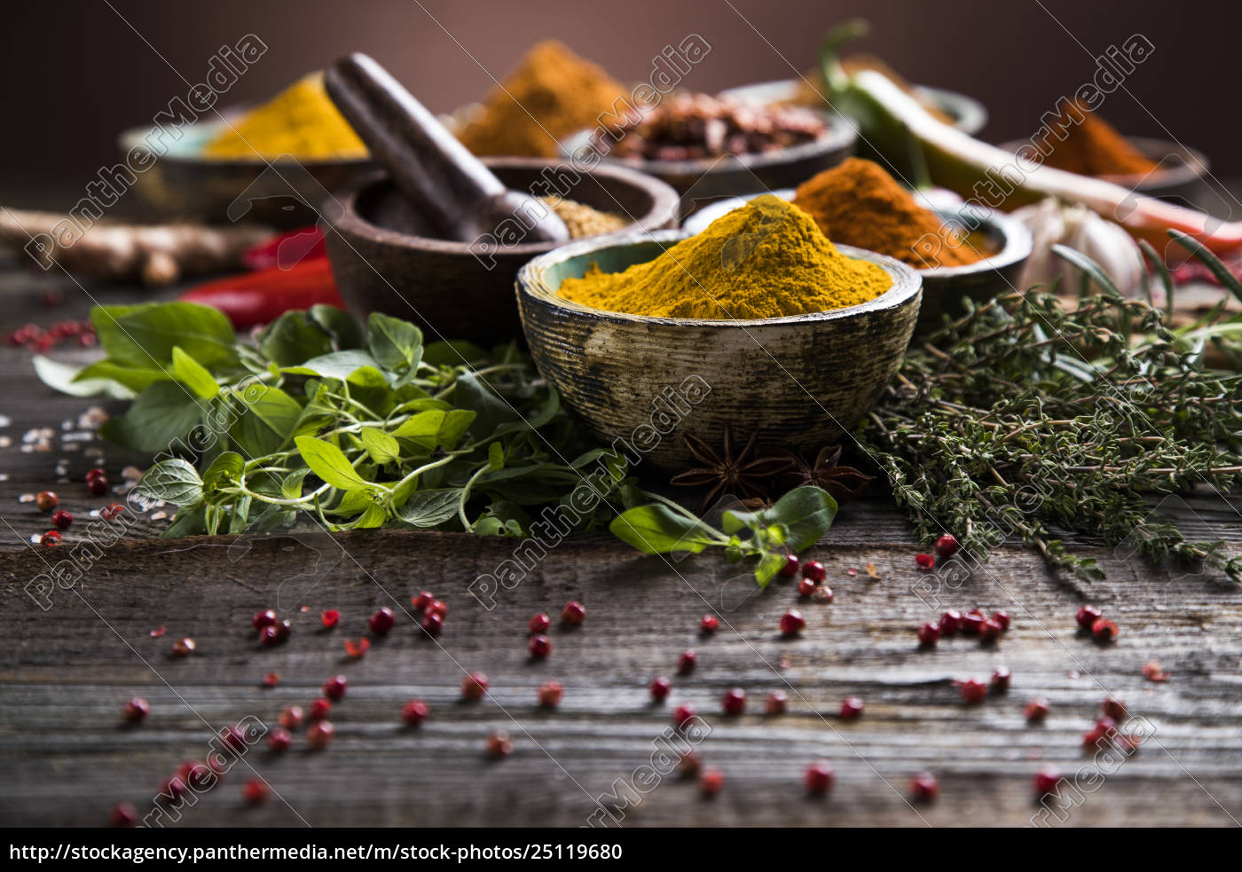 spices, on, wooden, bowl, background - 25119680