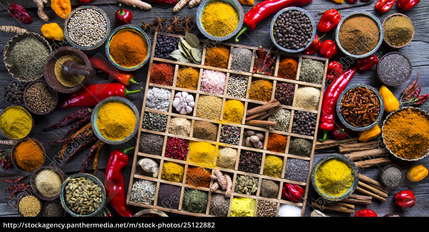 assorted, spices, in, a, wooden, box - 25122882