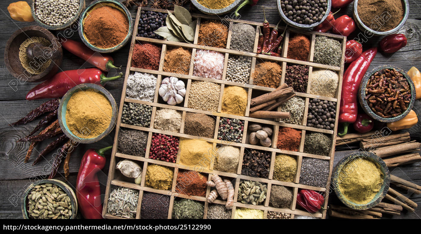 assorted, spices, in, a, wooden, box - 25122990