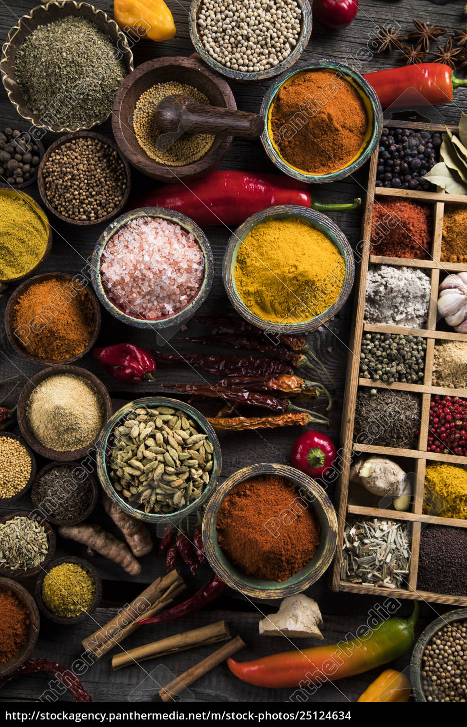 assorted, spices, in, a, wooden, box - 25124634