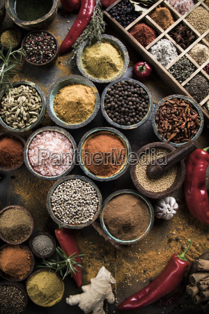 herbs, and, spices, on, a, wooden - 25124478