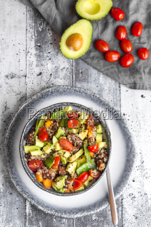 quinoa salad with avocado tomatoes and