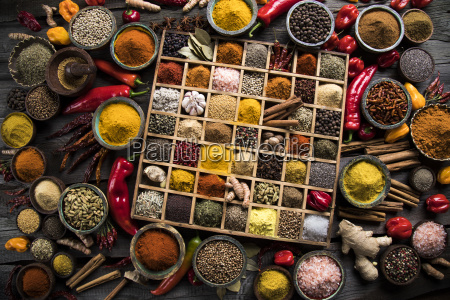 assorted, spices, in, a, wooden, box - 25126254