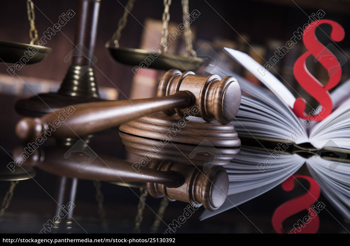 mallet, , legal, code, and, statue, of - 25130392