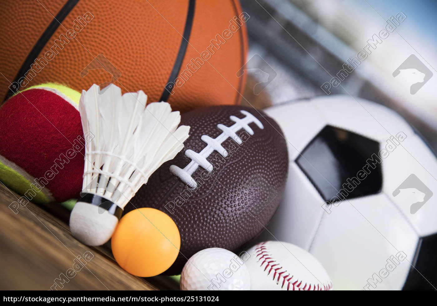 group, of, sports, equipment - 25131024