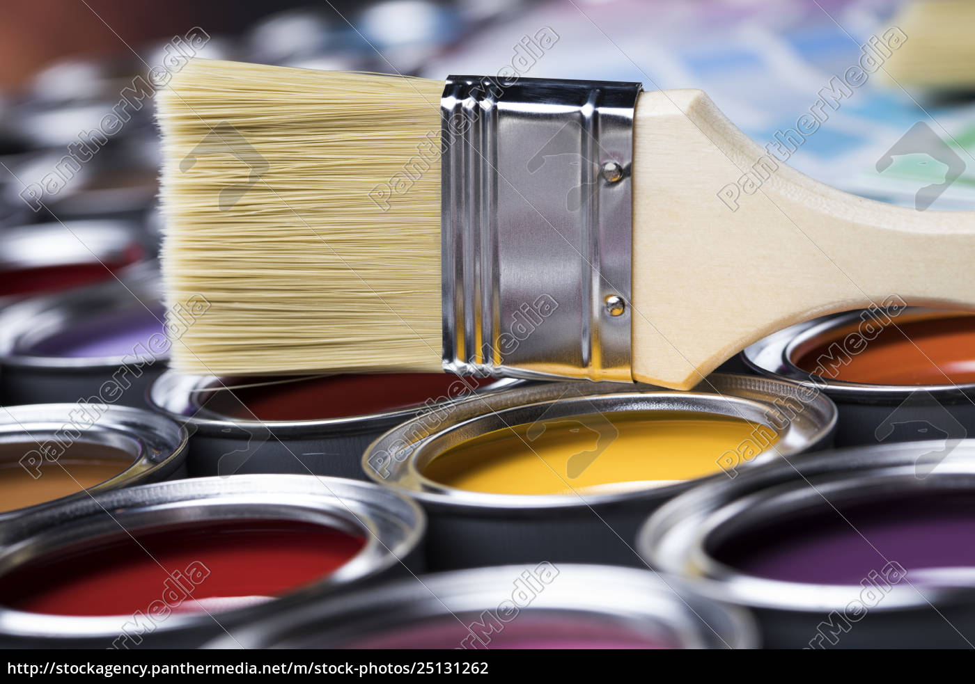 open, paint, cans, with, a, brush, - 25131262