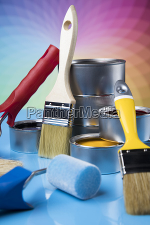 paintbrush, on, cans, with, color - 25131130