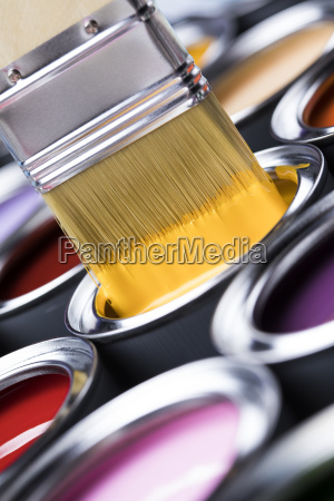 paintbrush, on, cans, with, color - 25131218