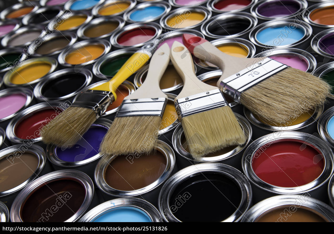 paintbrush, on, cans, with, color - 25131826